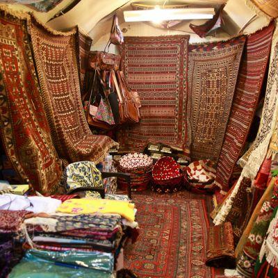Höhepunkte Usbekistans mit Trecking in Nurata Gebirge